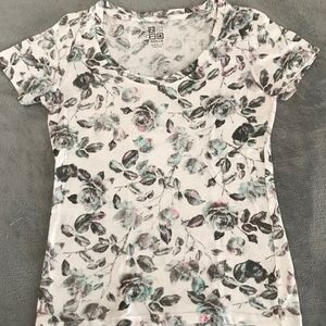 Nollie White Fitted Tee Shirt with Floral Pattern